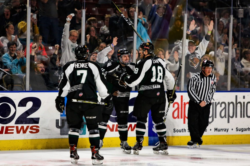 Utah Grizzlies @ Kansas City Mavericks: Keeping Things Close